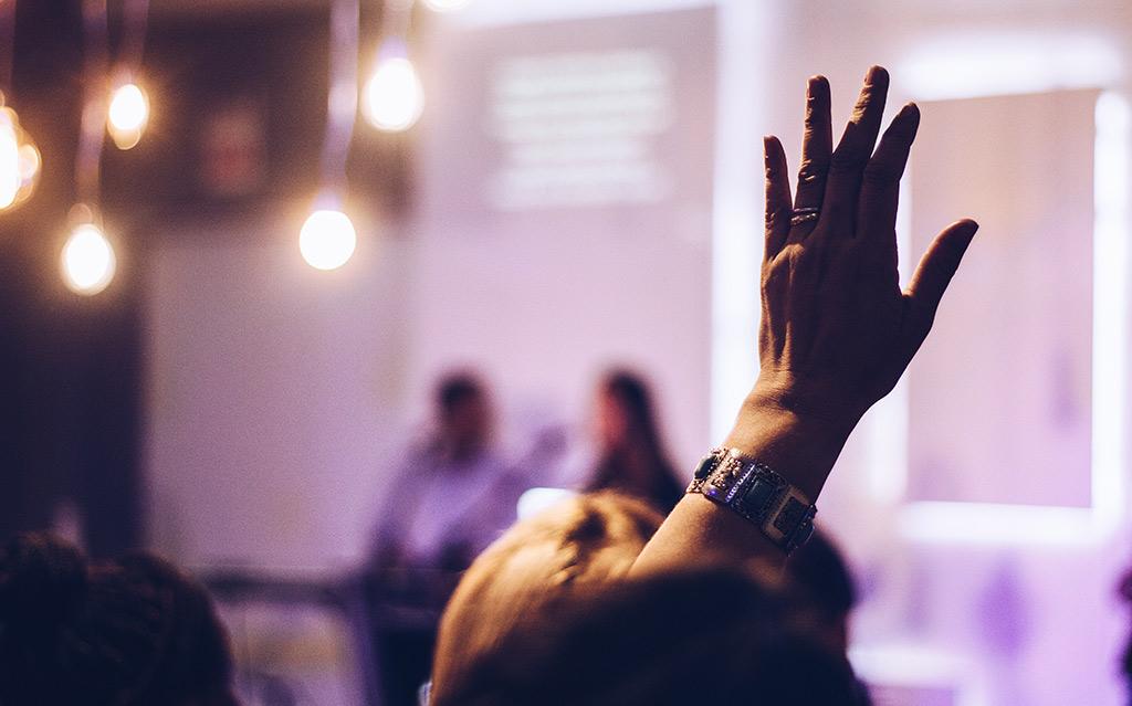 Posvet s predavanjem za ravnatelje vrtcev, osnovnih, srednjih in glasbenih šol »Avtizem – SAM z drugimi«: program »SAM ravnatelj«