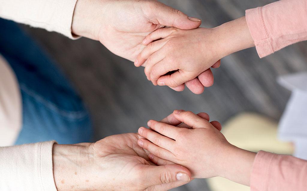 dr. Andraž Teršek o pravicah otrok do spremljevalca